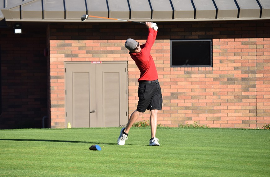 Photo for Witte makes history as golf teams play well at Embry-Riddle Invitational