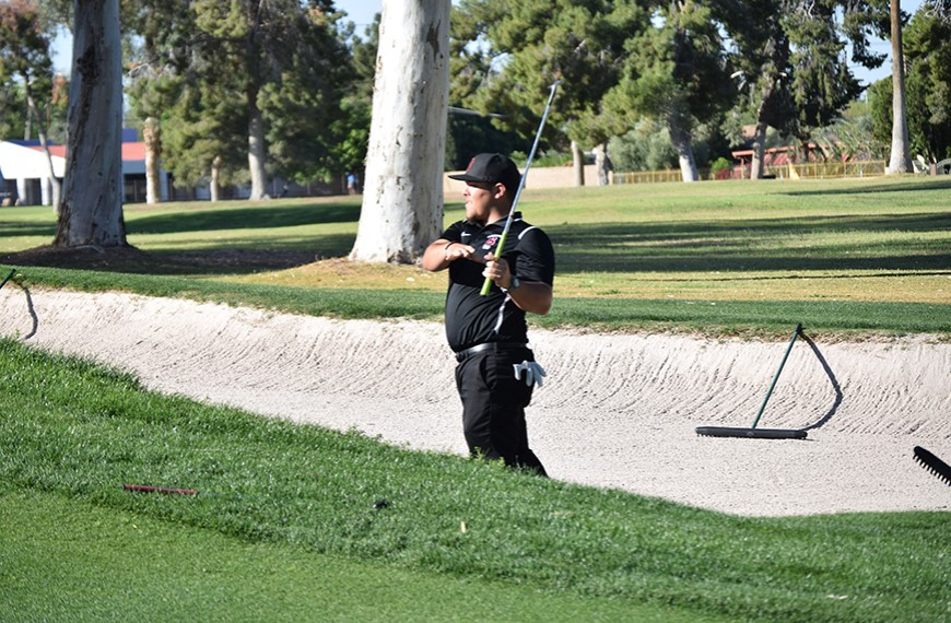Photo for Men's golf rounds out season at Cal Pac Championships